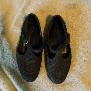 REAL LEATHER Mary Janes, BARELY WORN!